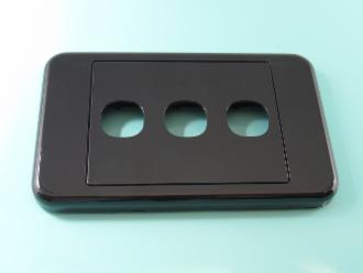 Photo of 3 HOLE CLIPSL BLACK PLATE