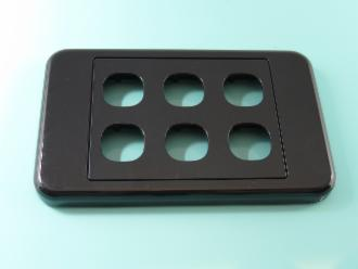 Photo of 6 HOLE CLIPSL BLACK PLATE